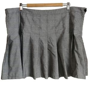 Forever 21+ Tartan Black & White Mini Skirt, sz 3X